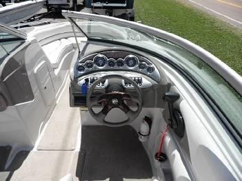 Photo 2008 Crownline 220 LS..,.5.0L. MPI BRIII  - $21,000 (owensboro)