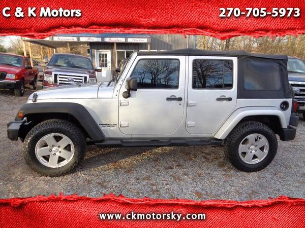 Photo 2010 Jeep Wrangler Unlimited ( 6 Speed ) Sahara  NEW TIRES - $9900 (Hickory www.ckmotorsky.com)