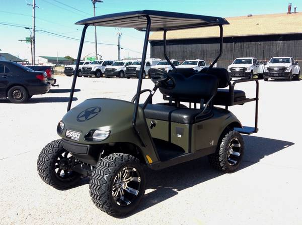 Photo 2021 E-Z-GO VALOR Limited Edition EFI GAS Golf Cart 4 passenger - $6,999 (AACO EVANSVILLE)