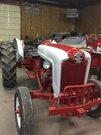 Photo 801 FORD POWERMASTER TRACTOR - $3500 (Hopkinsville my)