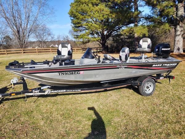 Photo Bass Tracker Pro Crappie 175 - $10,400 (Nashville)