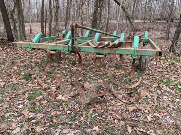 Photo John Deere 1600 Chisel Plow - $875 (Calhoun)
