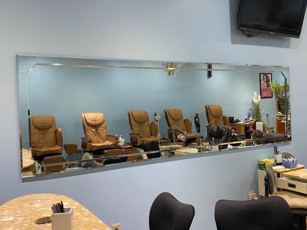 Photo Nail nail salon turn key east side $2300 lease - $34,500 (Evansville)