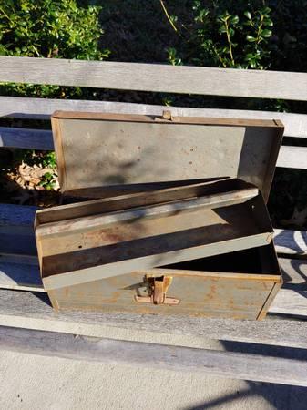 Photo vintage craftsman tool box - $15 (Benton)