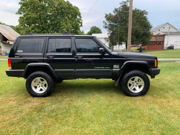 Photo 2000 Jeep Cherokee XJ - $6000 (Greencastle)