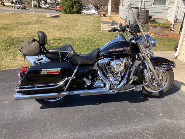 Photo 2010 Harley Davidson Road King - $9,000 (Hagerstown MD)