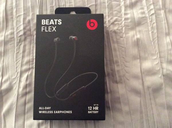 Photo Beats by Dre Beats Flex All Day Wireless Earphones 12 hour battery - $40 (Martinsburg)