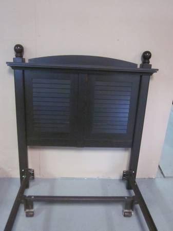 Photo Black Tall Twin Size Headboard with Deluxe Bolt on Metal Bed Frame - $145 (Hagerstown)
