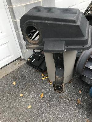 Photo Craftsman tractor bagger - $60 (hagerstown)