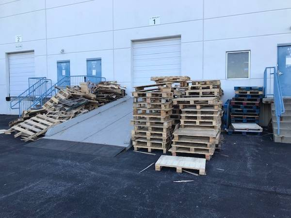 Photo Free wood pallets (Buckeystown)