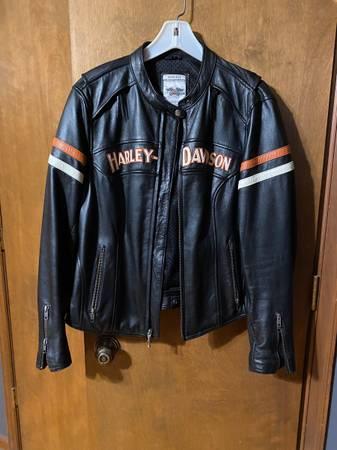 Photo Harley Davidson Womens Leather Riding Jacket wHoodie - $400 (Morgantown)
