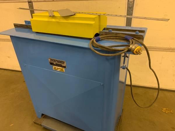 Photo Lockformer 22 gauge Pittsburgh Machine also makes Drive Cleats 110volt - $2,200 (York Pennsylvania)