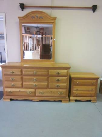 Photo Made in the U.S.A. - Oak dresser with mirror and nightstand - $445 (Hagerstown)