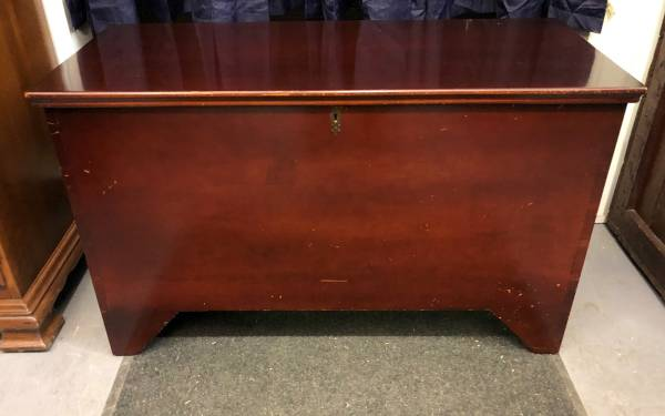 Photo Solid wood dovetailed blanket chest or toy box - $85