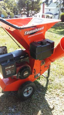 Photo Tomahawk Chipper Shredder 10 hp. - $350 (Frostburg)