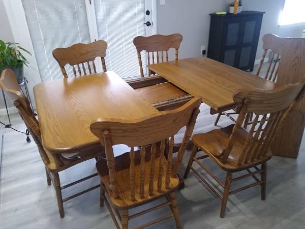 Photo Whispering Pines Oak Dining Set - $1,300 (Fort Ashby)