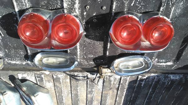 Photo 1958 Pontiac tail lights - $250 (Austin)