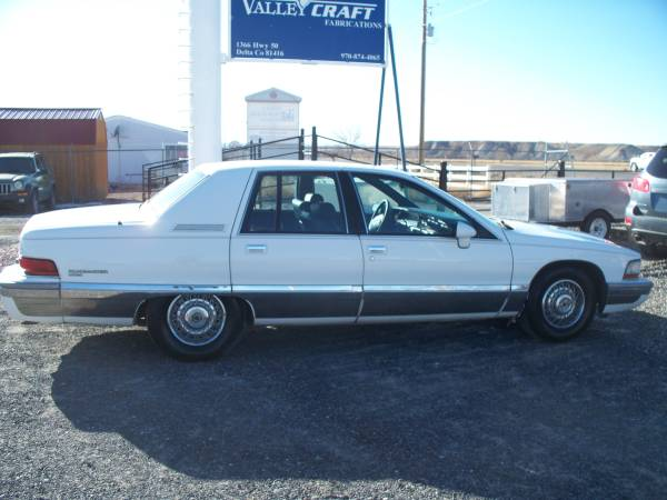 Photo 1992 Buick Roadmaster - $1295 (Delta)