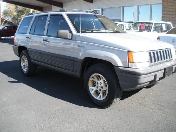 Photo 1995 Jeep Grand Cherokee Laredo 4x4 (616 N. 1st St. Grand Junction, CO)