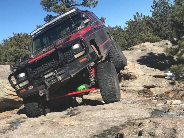 Photo 1996 Jeep XJ Rock Crawler - $2000 (MEEKER)
