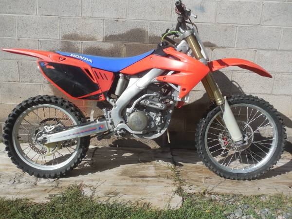 Photo 2008 CRF250R project - $1,200 (base of the redlands G.J)