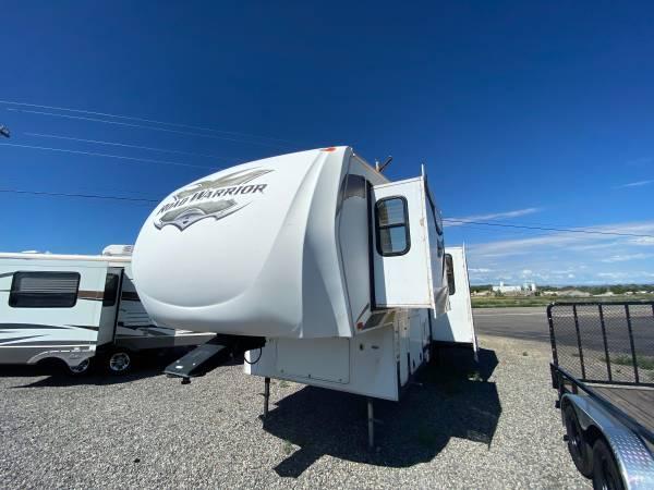 Photo 2011 Heartland Road Warrior 305RW - $26,599