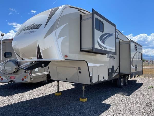 Photo 2018 Grand Design Reflection -28RL Super-Lite 5th Wheel w3 Slideouts - $44,900 (Montrose, CO - YOUSELLAUTO.COM)