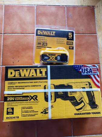 Photo Brand new Dewalt XR brushless sawzall and 5.0 XR battery $250 firm - $250 (Grand junction)