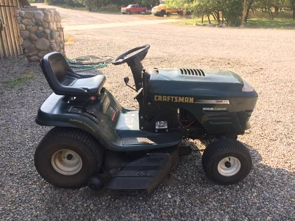 Photo Craftsman lawn tractor - $500 (Bayfield)