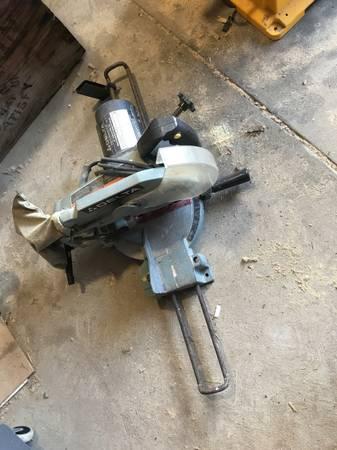 Photo Delta 10 compound power miter saw - $75 (OM)