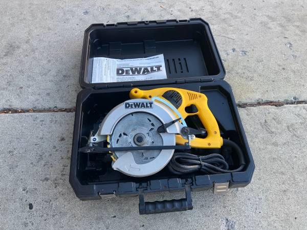 Photo Dewalt Framing Saw - $90 (Palisade)