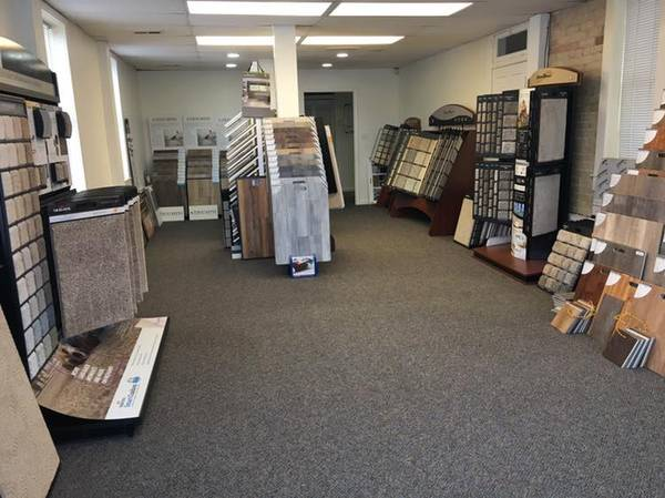 Photo FLOORING BUSINESS $12,000  GROSSED $444,638 - LAST YEAR - $10,000 (DELTA)