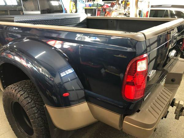 Photo Ford dually bed - $2,300