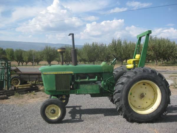Photo John Deere 4010 Tractor - $7,200 (Delta)