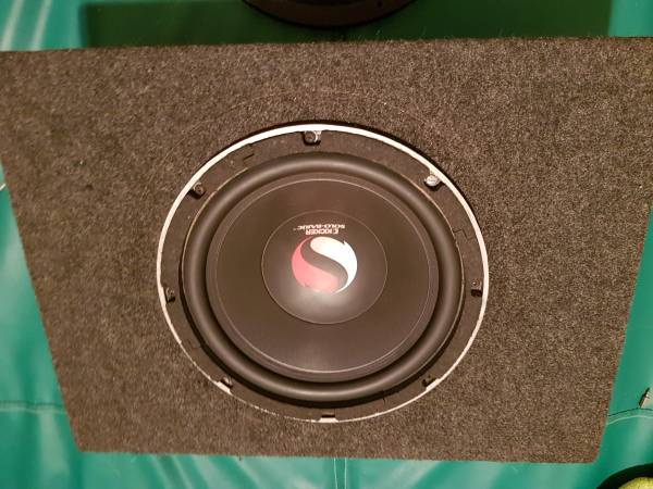 Photo KICKER Solo-Baric 10quot Subwoofer in Slim Enclosure Box Old School - $178 (OURAY)