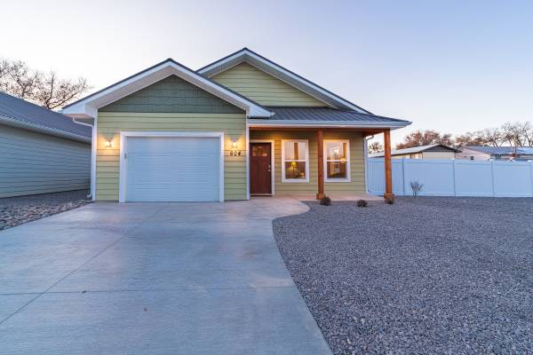 Photo NEW HOME AND GUEST HOUSE (604 S 10th Street, Montrose, CO)