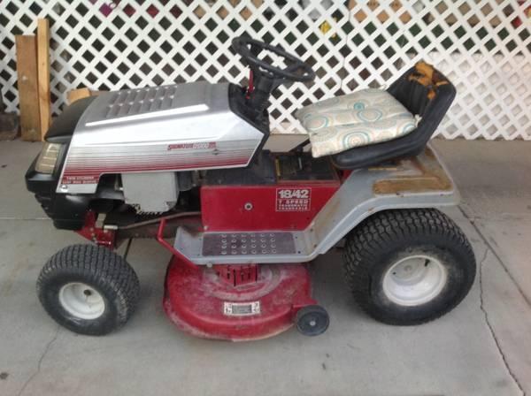 Photo Riding Lawn Mower - $185 (Montrose)