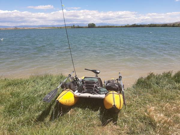 Photo Single Person Pontoon Boat with electric motor - $850 (Battlement Mesa)