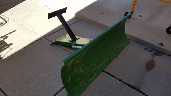 Photo Snow Plow for Zero Turn Mower - $300 (Mancos)