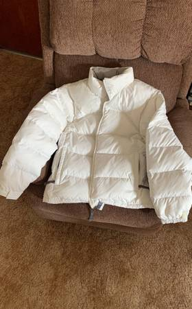 Photo The North Face Nuptse 700 Stow Puffer Jacket Women M White - $150 (Montrose)