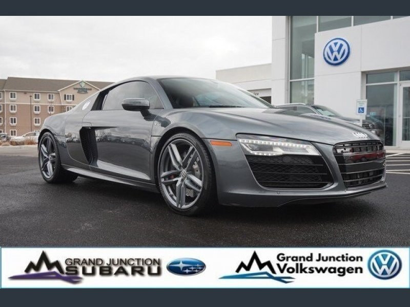 Photo Used 2015 Audi R8 V10 Coupe for sale
