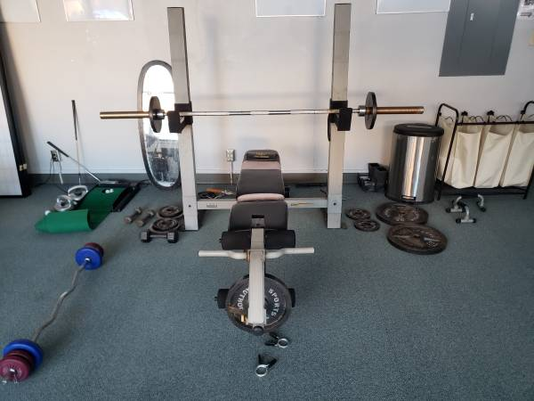 Photo Weight Bench Weights Olympic Bar Exercise Gym - $250 (Rifle)