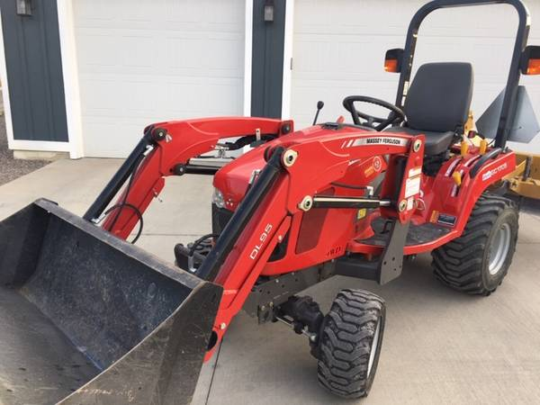 Photo tractor for sale - $8,900 (Montrose)