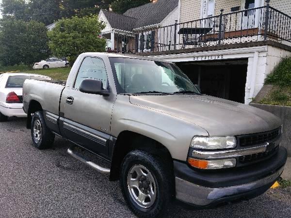 Photo 2002 Chevy Silverado 4x4 Great Work Truck - $3,400 (Weirton)