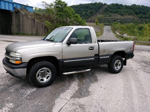 Photo 2002 Chevy Silverado 4x4 - $2,500 (Weirton)