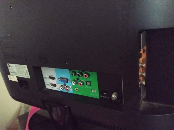 Photo 22 inch Vizio TV HDMI Computer - $25 (Latrobe)
