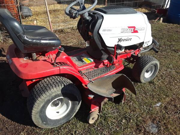 Photo 2 Huskee riding lawn mowers clean - $500 (Middlebourne)