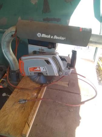 Photo Black and decker radial arm saw - $40 (Flushing)