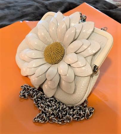 Photo Christmas Brighton mini crossbody purse white leather and flower - $30 (USC)
