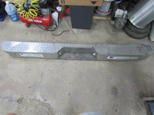 Photo DODGE CHROME REAR STEP BUMPER - $110 (Jacobsburg)